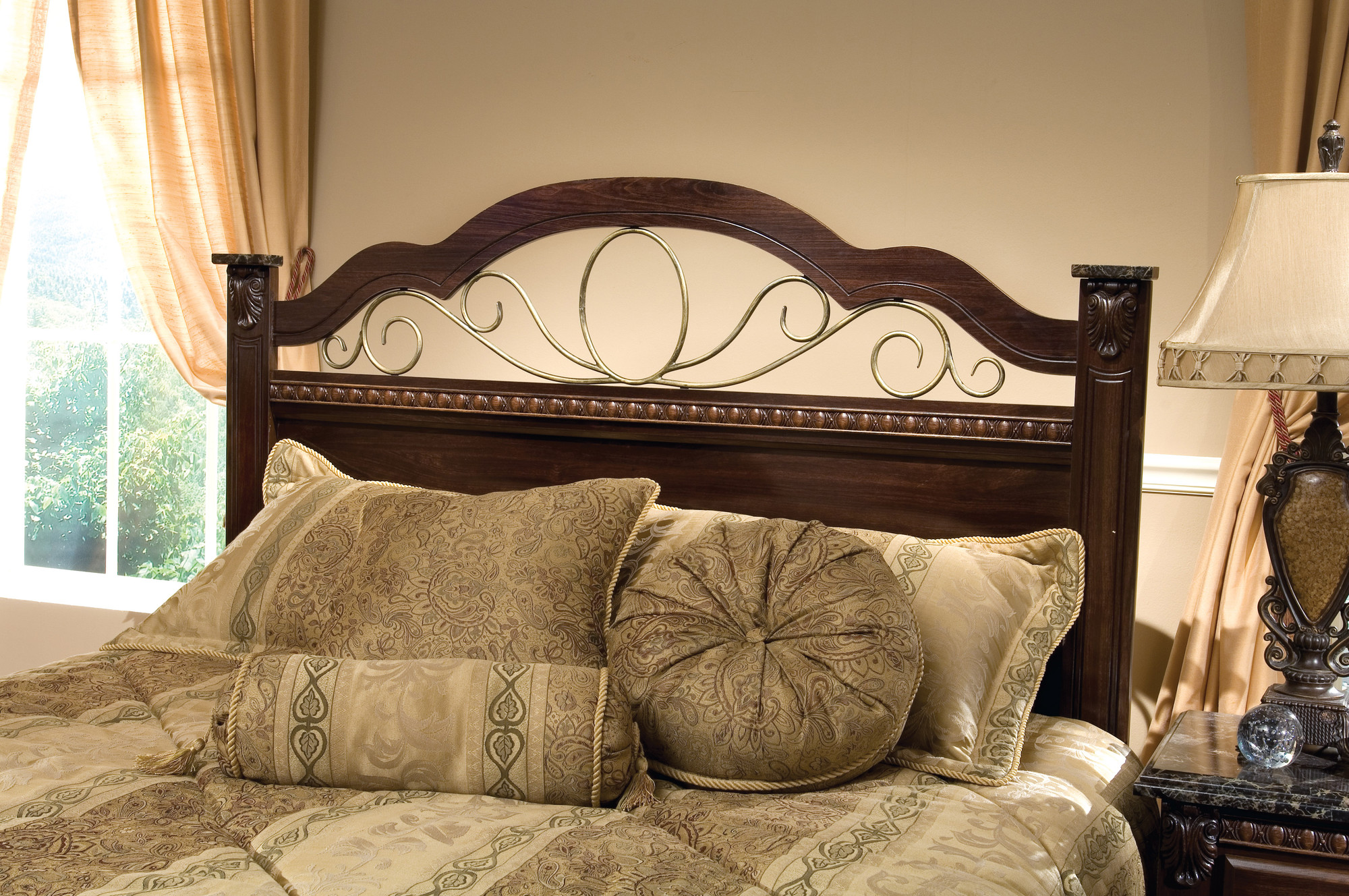 Picture of: 15 Elegant Headboards Made Out Of Wood And Metal
