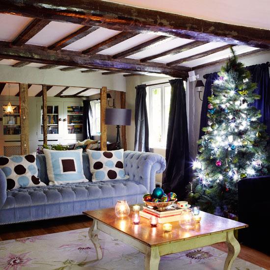 30 Cheerful Christmas Interior Designs
