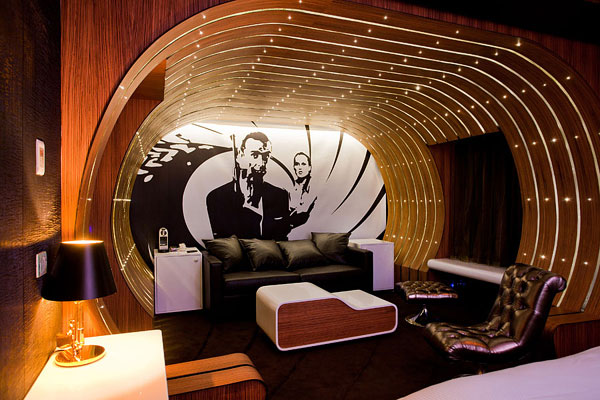 Le Seven Hotel in Paris-Fascinating Interior Design Inspired by The Movies