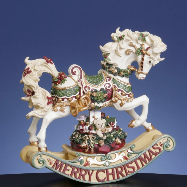 Christmas Statue Decorations: 16 Shapely Christmas Figurine Decorations