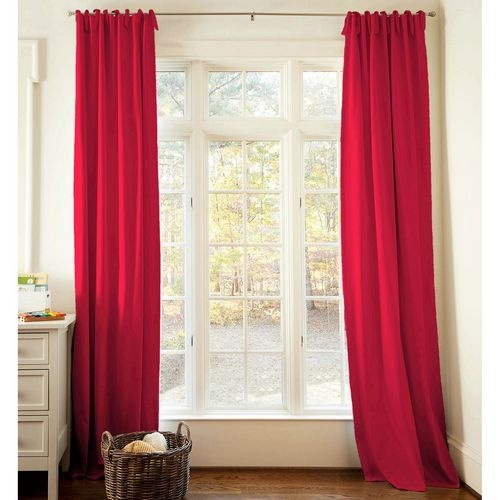20 Alluring Holiday Inspired Red Drapes