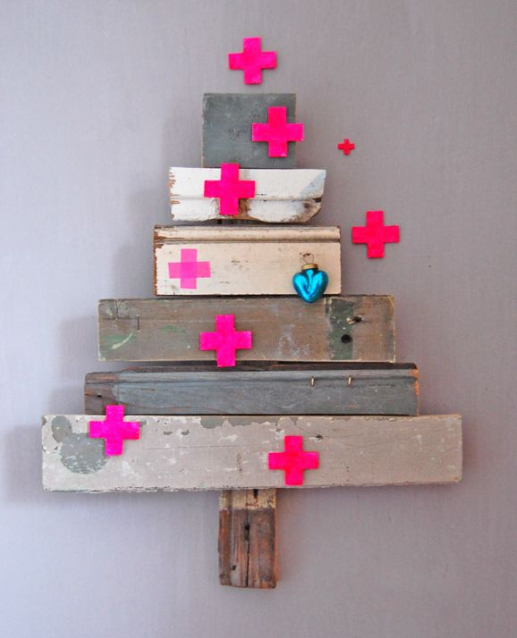 30 Chic Neon DIY Christmas Trees and Ornaments