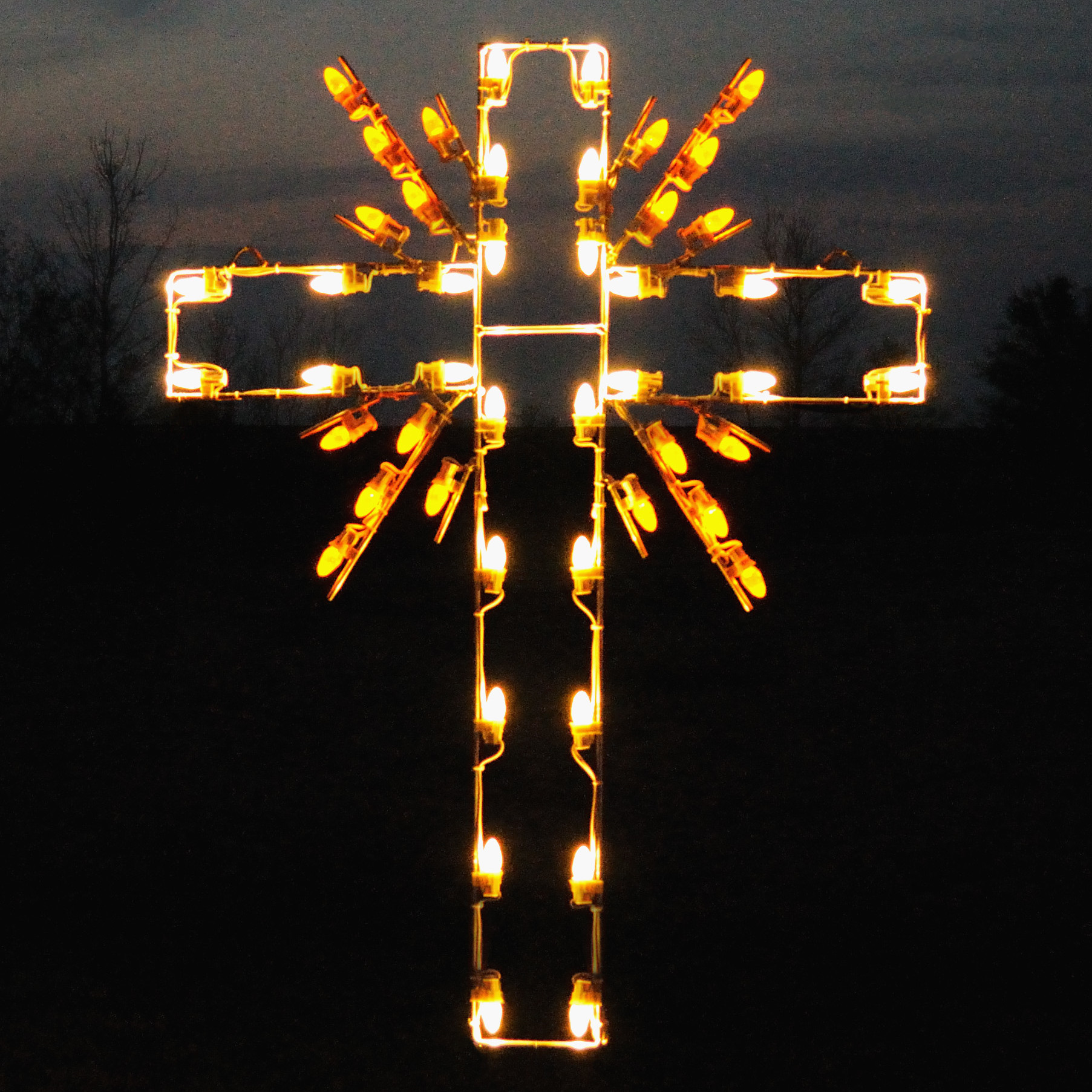 A Collection of Outdoor Christmas Light Displays 20