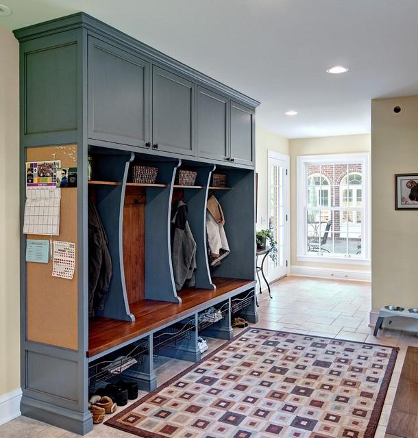 28 Elegant Traditional Entry Design Ideas