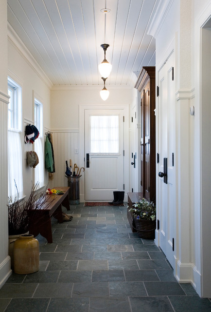 28 Elegant Traditional Entry Design Ideas
