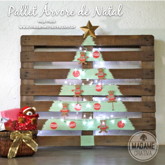 unusual christmas tree made out of pallets