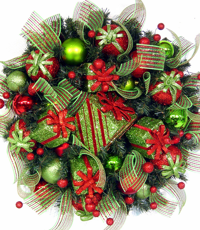 24 Whimsical Handmade Christmas Wreath Ideas 15