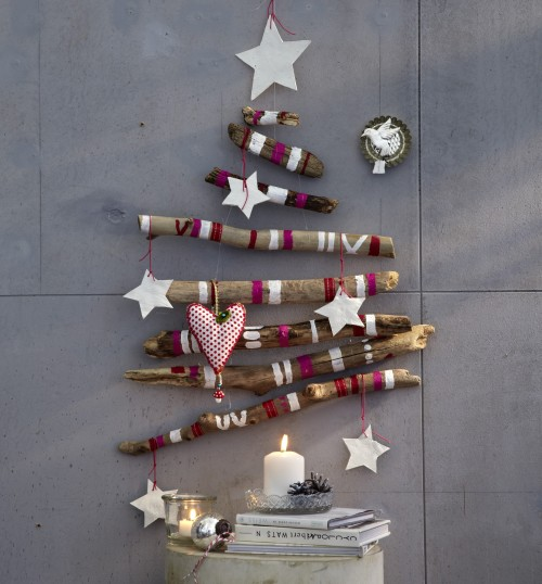 38 Last Minute Budget Friendly DIY Christmas Decorations
