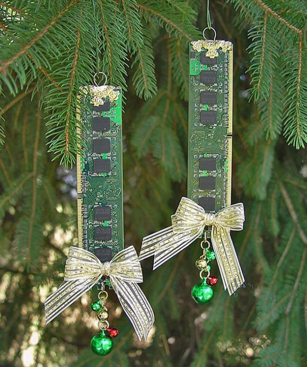 30 Cute Recycled DIY Christmas Crafts