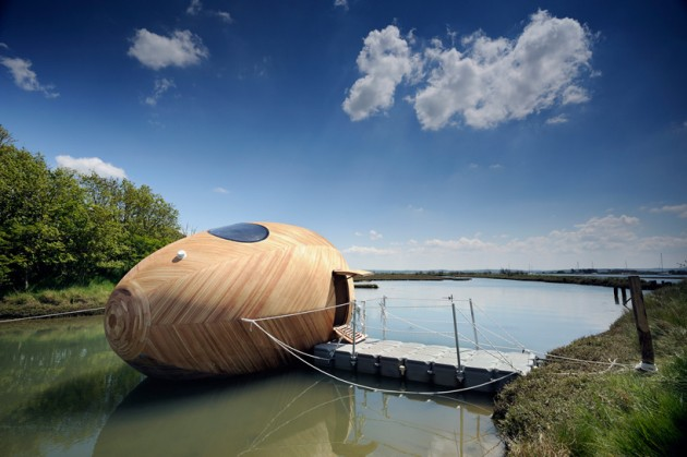 FLOATING WOODEN EXBURY EGG SHELTER