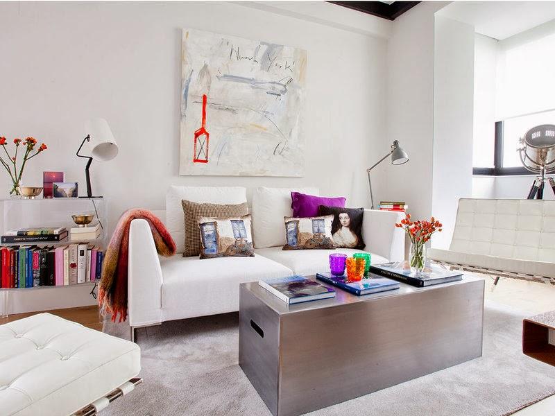 A feminine and unique mini loft in madrid for Sofas modernos madrid