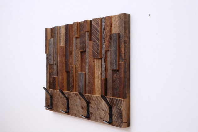 16 Magnificent Examples of Reclaimed Wood Wall Art (6)
