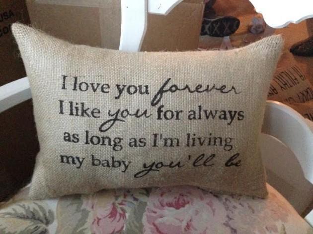 17 Fascinating Handmade Valentine's Day Pillow Designs
