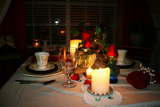 26 irreplaceable romantic diy valentine 39 s day table for Romantic dinner recipes for two at home
