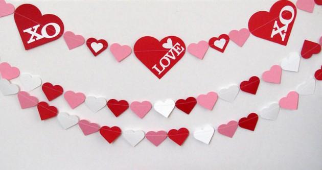 22 Lovely Valentines Day Garland Designs