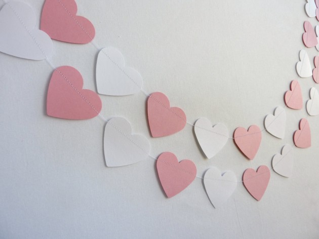 22 Lovely Valentines Day Garland Designs