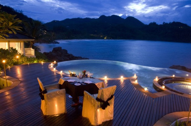 23 Breathtaking Outdoor Romantic Table Decorations