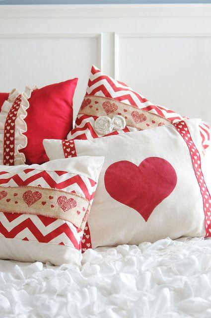 25 Adorable DIY Pillows For Valentineu0027s Day