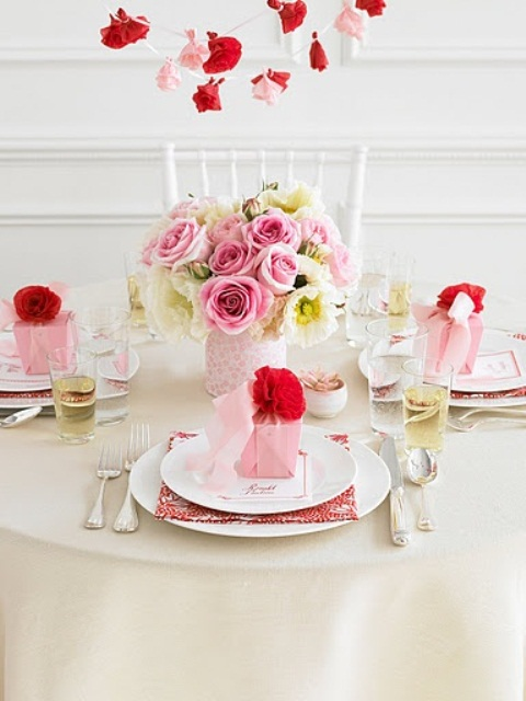 26 Irreplaceable & Romantic DIY Valentine's Day Table Decorations