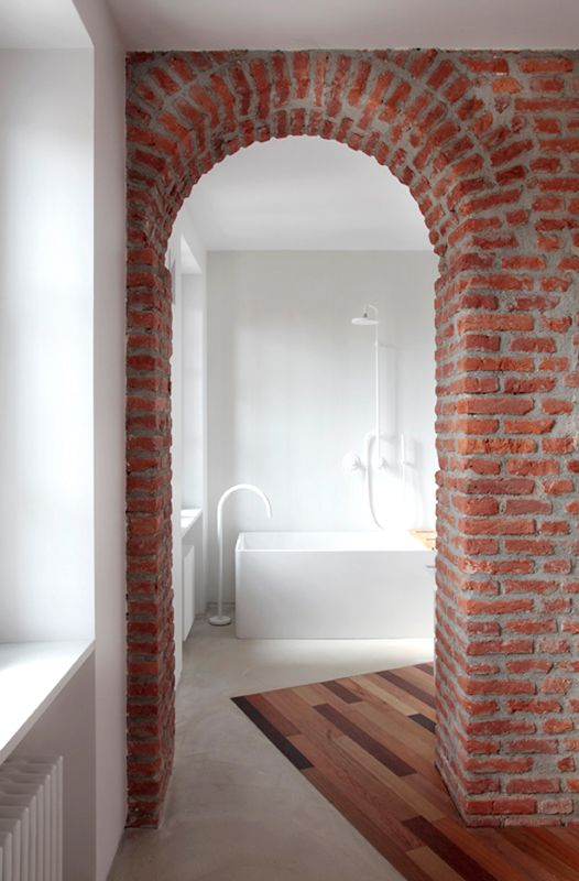 25 Chic Bathrooms With Brick Walls