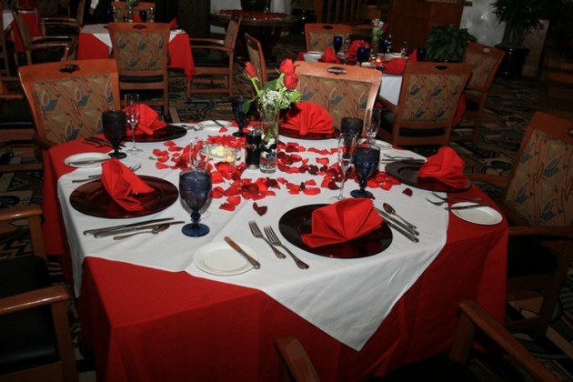 26 Irreplaceable & Romantic DIY Valentines Day Table Decorations