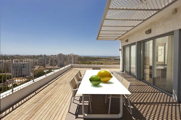 Gorgeous Urban Apartment in Tel Aviv, Israel