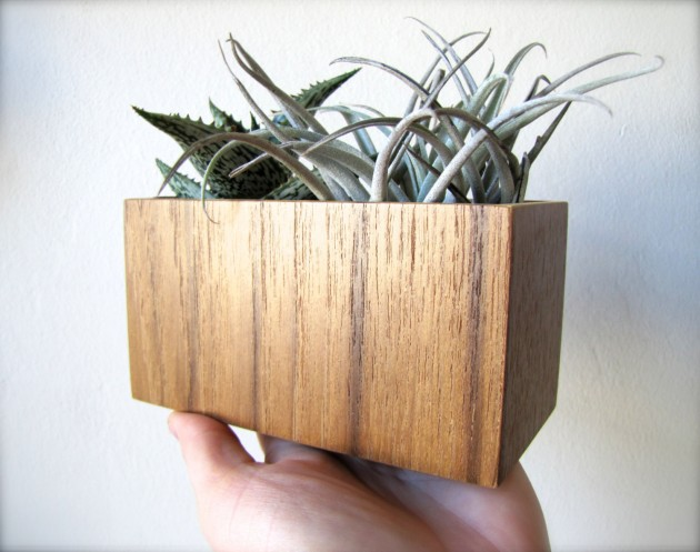 16 Minimalistic Handmade Wooden Planter Designs (11)