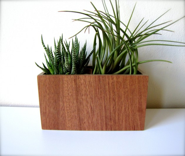 16 Minimalistic Handmade Wooden Planter Designs (12)