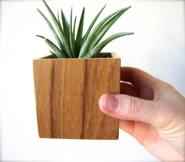 16 Minimalistic Handmade Wooden Planter Designs (2)