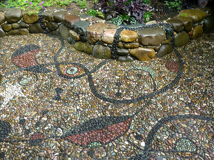 21 cool pebble pathway design ideas for lavishly garden for Garden mosaic designs