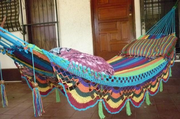 18 Comfortably Relaxing Hammocks for Spring