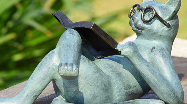 24 Diverse Garden Statue Decorations For This Spring