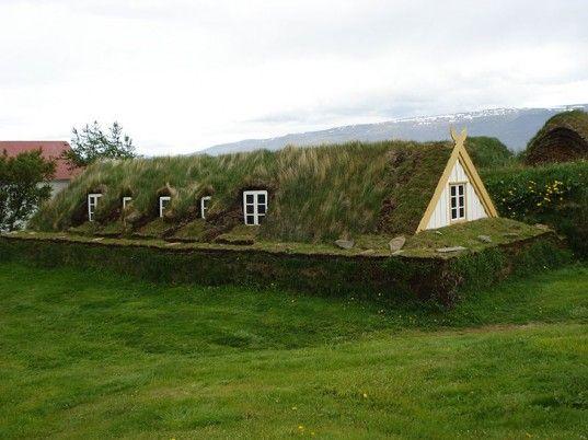 30 Incredible Green Roof Designs