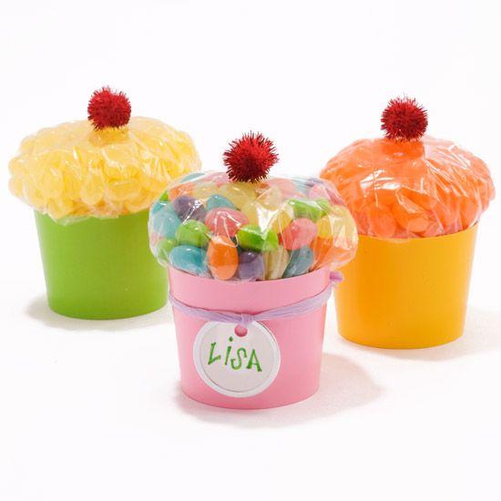 30 Adorable DIY Pom Pom Decorations