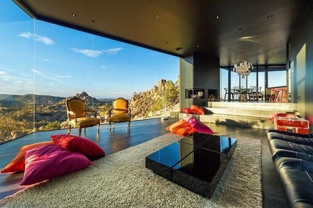 Black Desert House in Yucca Valley, California