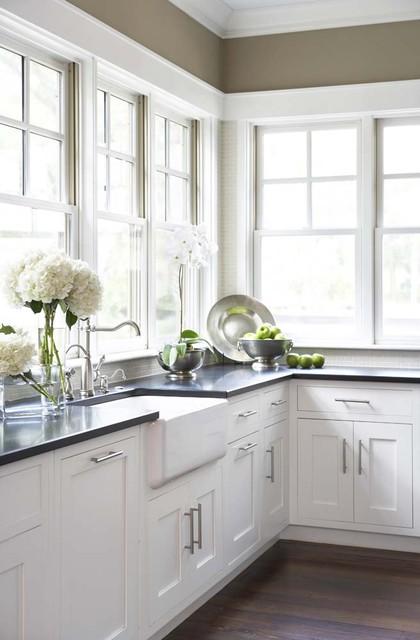 17 Bright and Airy Kitchen Design Ideas