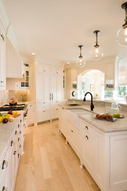 17 Bright and Airy Kitchen Design Ideas