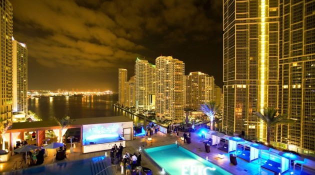 Stunning Luxury Accommodation- EPIC Miami Hotel