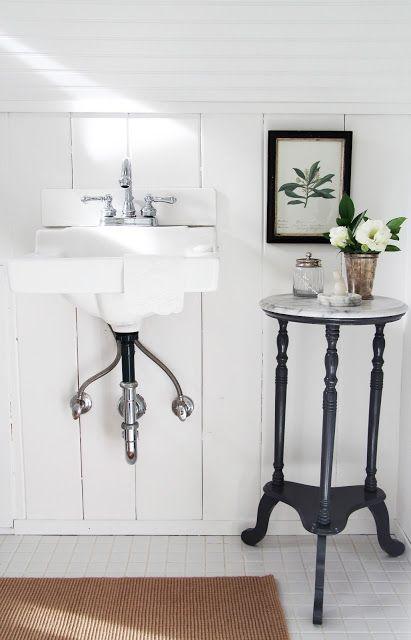 25 Amazing Vintage Sink Designs