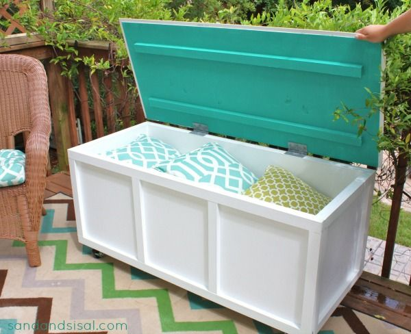 Protect Your Patio Cushions In A Diy Storage Bin 22 Easy And Fun Outdoor Furniture Ideas