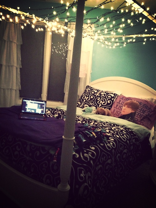 make star lighted canopies for beds | 23 Amazing Canopies with String Lights Ideas