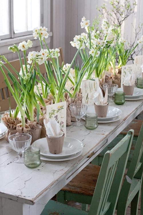 30 Vivid DIY Easter Spring Table Centerpieces