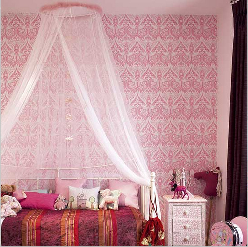 Trendy Teen Girls Bedding Ideas With A Contemporary Vibe: 23 Fabulous Vintage Teen Girls Bedroom Ideas