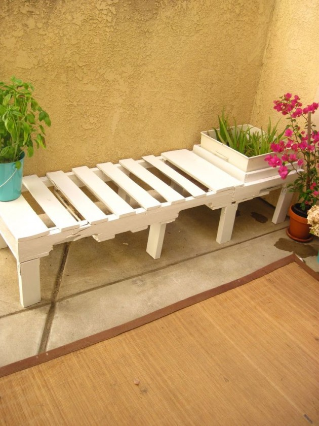 The Most Awesome 30 DIY Benches for Your Garden