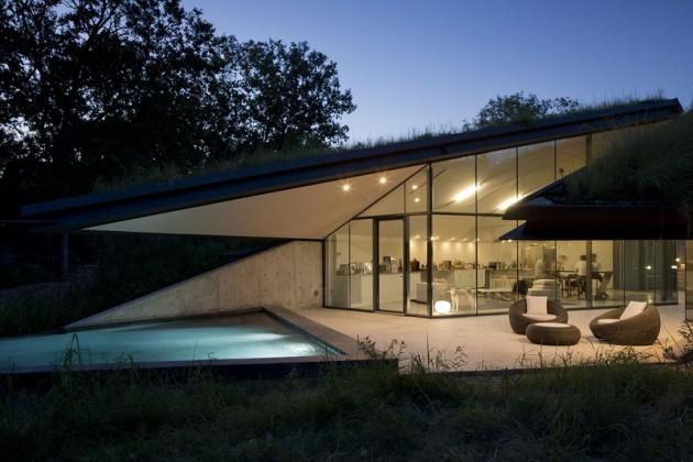 Underground Beauty- Edgeland House in Austin, Texas