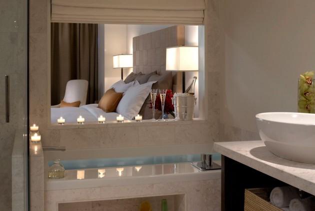 Stunning Luxury Accommodation  EPIC Miami Hotel