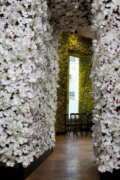 25 Marvelous Flower Walls