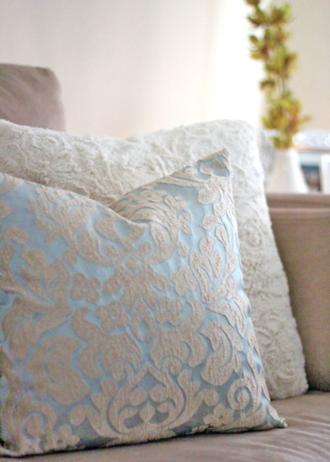 Diy Photo Throw Pillow : 25 Incredible DIY Throw Pillows
