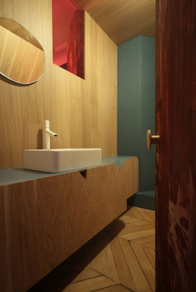 ''The True Wolf Wears His Fur Inside'' Apartment by UdA Architects