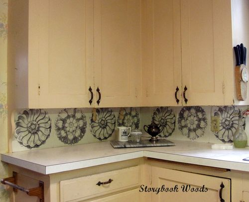 Use place mats as kitchen backsplash